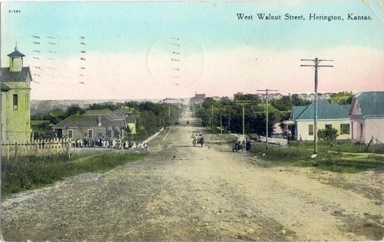 West Walnut Street Herington