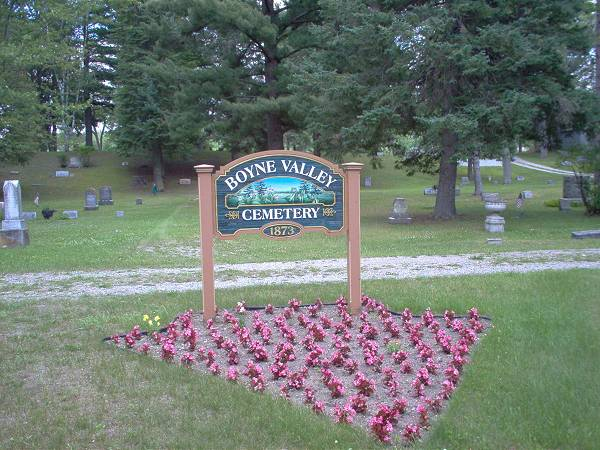 Boyne Valley Cemetery Entrance Sign