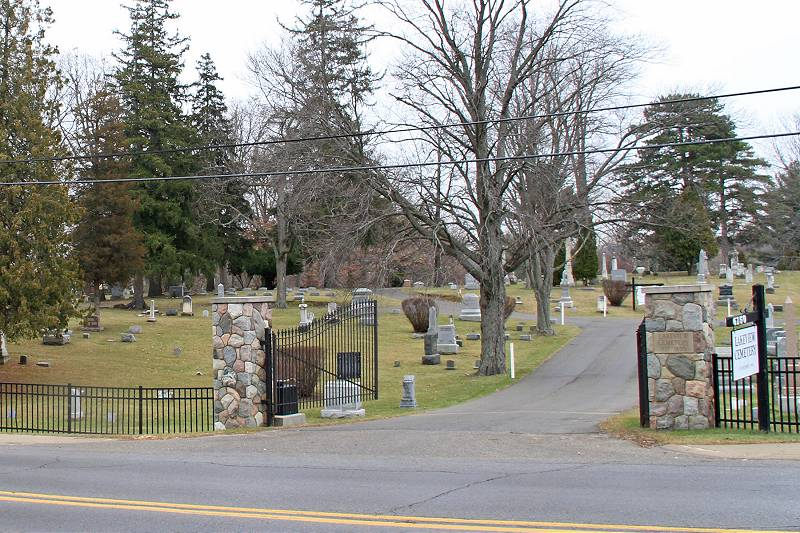 Lakeview Cemetery Entrance
