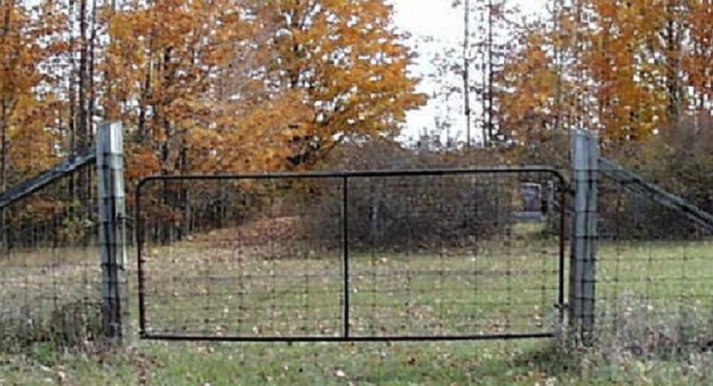 Belknap Township Cemetery Entrance