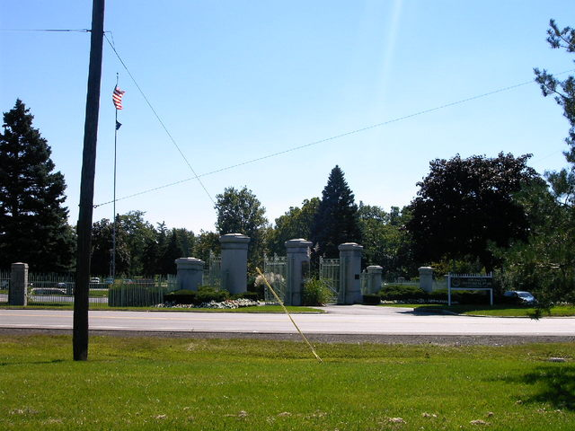 Michigan Memorial Park Cemetery Entrance