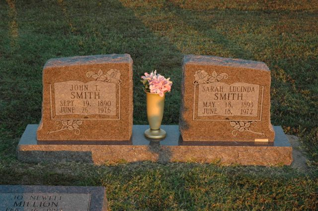 http://www.usgwarchives.net/ok/lincoln/pics/tombstones/stroudcem/john_t_and_sarah_lucinda_smith.jpg